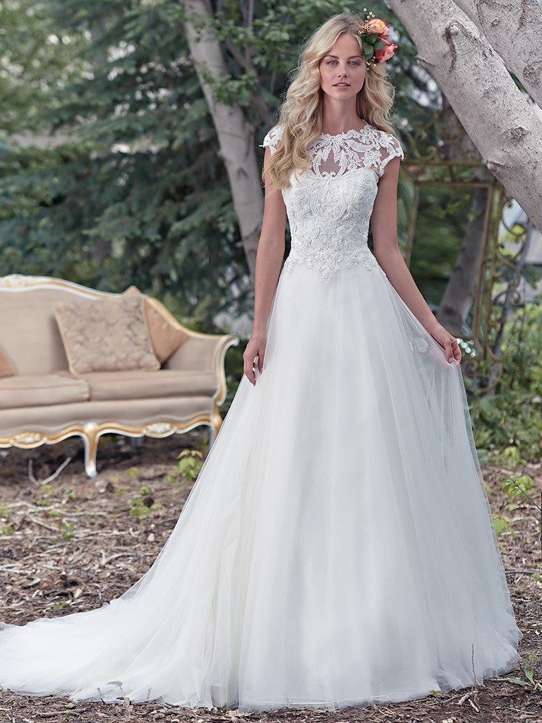 Wedding Trends 2018 - Maggie Sottero Chandler